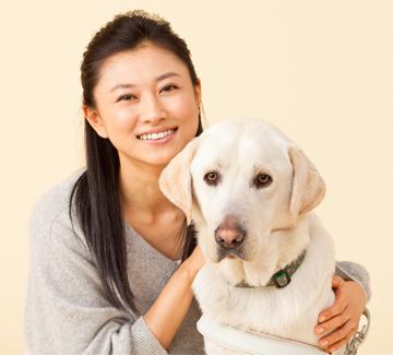 犬と菊川怜。